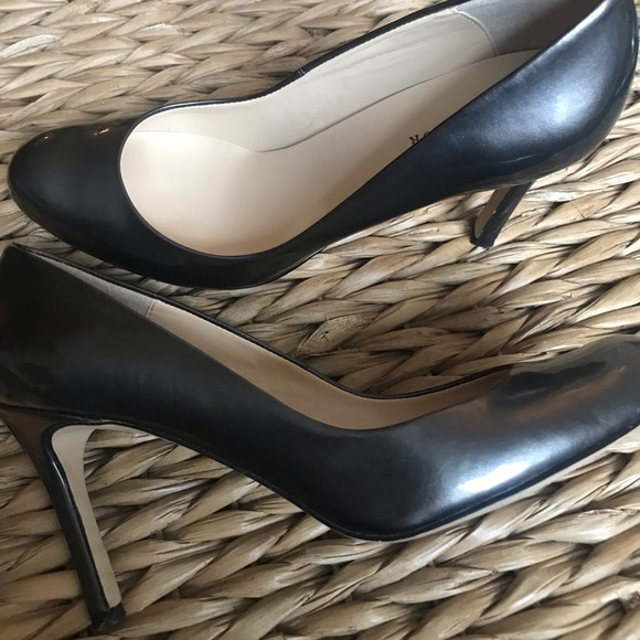 Ann Taylor Shoes - Ann Taylor Pewter heels